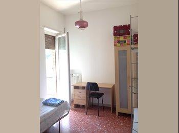 Stanza singola a Roma con balcone