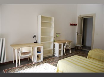 Ampia stanza doppia a studentesse o lavoratrici