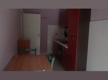 EasyStanza IT - centro Metro A Re di Roma, S.Giovanni - Appia Nuova - € 460 al mese