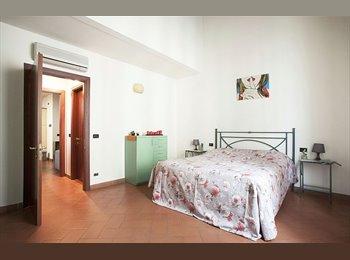 EasyStanza IT - Bilo-1 confy bedroom/1 bathroom/1 kitchinette apt. in San frediano, Firenze - € 800 al mese