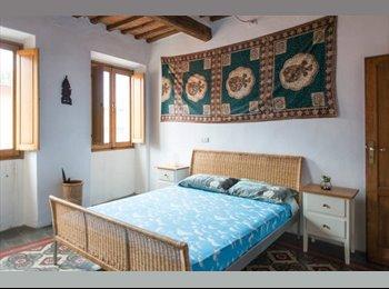 EasyStanza IT - Affitto Camera Matrimoniale a Pistoia Centro Marzo, Pistoia - € 320 al mese