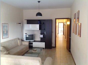 EasyStanza IT - RENT ROOMS IN AMAZING APARTMENT INTERNET WI-FI - Oreto-Ciaculli, Palermo - € 280 al mese
