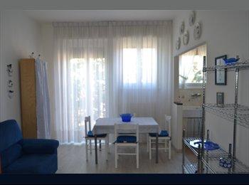EasyStanza IT - 4 POSTI LETTO IN APP.TO PER SOLO STUDENTESSE - ZTL - Piazza Cittadella - San Zeno - Stadio, Verona - € 230 al mese