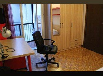 SingleRoom  1luglio 2015 8th floor - Navigli 520€