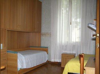 EasyStanza IT - Posto letto in camera doppia, Parma - € 120 al mese