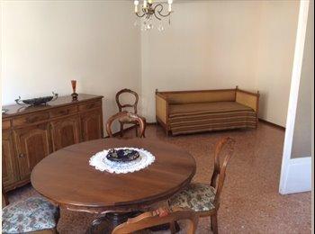 EasyStanza IT - Appartamento ammobiliato  per studenti via venezia - Parma, Parma - € 250 al mese