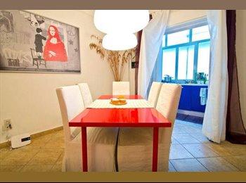 EasyStanza IT - Posto letto in doppia bagno in camera - CT centro, Catania - € 150 al mese
