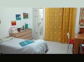 camera arredata con bagno