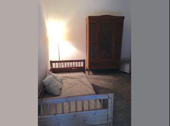 EasyStanza IT - stanza FORCELLINI centrale, Padova - € 320 al mese