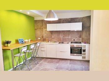 EasyStanza IT - camera matrimoniale con bagno privato - Eur, Roma - € 475 al mese