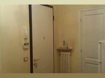 EasyStanza IT - AFFITTASI DA SUBITO 2 stanze singole in appartamento COMPLETAMENTE RINNOVATO da 100m2 in zona centra - Parma, Parma - € 275 al mese