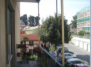 EasyStanza IT - STANZE SINGOLE A BOCCADASSE LIBERE DA SETTEMBRE, Genova - € 340 al mese