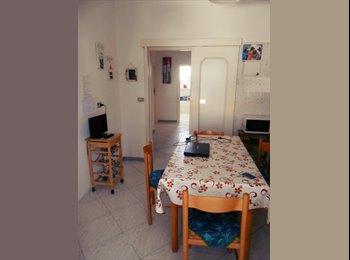 EasyStanza IT - Bellissima doppia ad uso singola a Santa Rosa - Lecce, Lecce - € 210 al mese