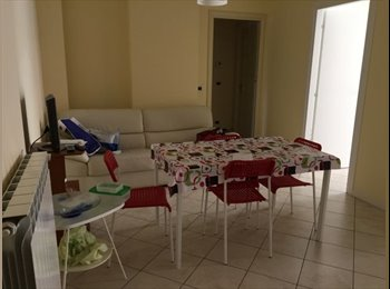 EasyStanza IT - n. 2 Camere singole per studenti - Pescara, Pescara - € 220 al mese