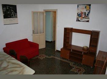 EasyStanza IT - Affitto stanza singola Via San Martino, Genova - € 250 al mese