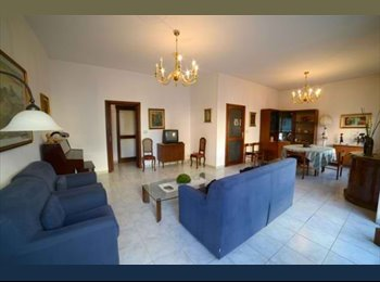EasyStanza IT - Affitto 2 camere singole e una doppia - Lecce, Lecce - € 130 al mese