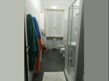 EasyStanza IT - offro un'ampia DOPPIA a soli €130 a posto letto vicino barriera bixio - Parma, Parma - € 130 al mese