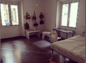 EasyStanza IT -  camera singola    ,  centro    (studenti ,erasmus) - Centro Storico, Genova - € 276 al mese