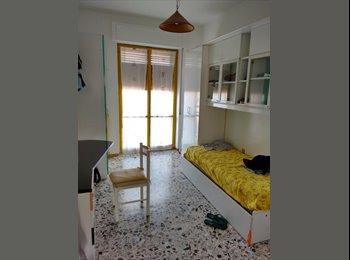 EasyStanza IT - Due stanze singole per ragazze - Pescara, Pescara - € 250 al mese