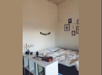 EasyStanza IT - Affittasi ampia stanza doppia in Via degli Equi - San Lorenzo - Esquilino S.Lorenzo, Roma - € 280 al mese
