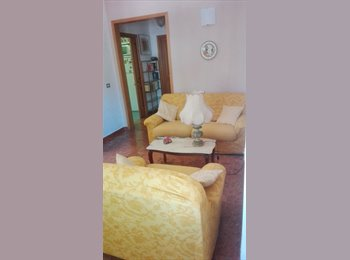 EasyStanza IT - Grande singola superarredata in villa  - Campo di Marte - Le cure - Coverciano, Firenze - € 480 al mese