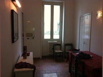 EasyStanza IT - Affitto appartamento o stanze in centralissimo appartamento arioso e luminoso - Lecce, Lecce - € 600 al mese