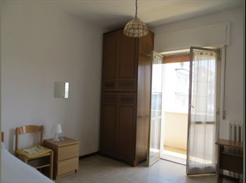 EasyStanza IT - Pescara, Via D'Avalos , affittasi due camere , Pescara - € 190 al mese