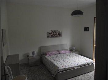 EasyStanza IT - 4 camere singole in appartamento a Lecce per studenti , Lecce - € 180 al mese