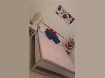 EasyStanza IT - Affittasi stanza singola, Parma - € 300 al mese
