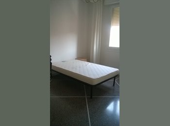 EasyStanza IT - Appartamento con tre singole, Bologna - € 375 al mese