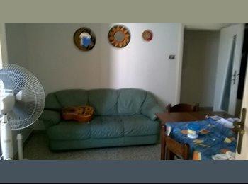 EasyStanza IT - Offro stanza di 30 mq vicinissima Ateneo , Lecce - € 280 al mese