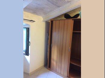 EasyStanza IT - posto letto in camera singola, Pistoia - € 200 al mese