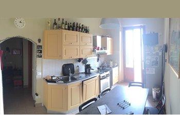 EasyStanza IT - camera singola in zona Dalmazia- Careggi  , Firenze - € 350 al mese