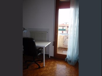 EasyStanza IT - ampia matrimoniale bagno esclusivo, Padova - € 350 al mese