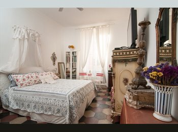 charming room with private bathroom in central area