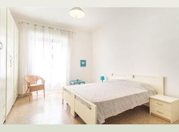 camera padronale luminosissima e spaziosissima balcone...