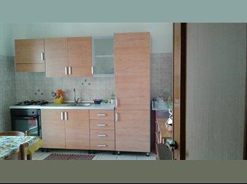 EasyStanza IT - affitasi stanza via umberto 306 catania, Catania - € 200 al mese