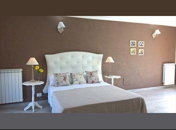 EasyStanza IT - mansarda luminosa con terrazzino, Lecce - € 350 al mese