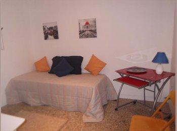 EasyStanza IT - cameretta in affitto a 2 letti, Lecce - € 170 al mese