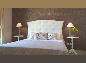 EasyStanza IT - Elegante camera matrimoniale , Lecce - € 200 al mese