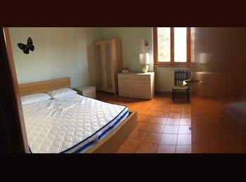 camera singola letto matrimoniale
