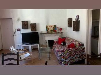 affittasi stanza singola in grande appartamento nel cuore...