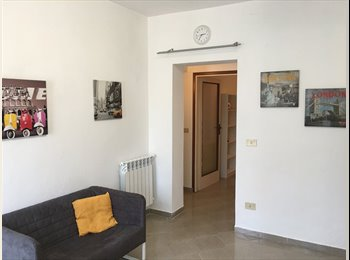 EasyStanza IT - Grazioso miniappartamento per studenti, Pisa - € 500 al mese