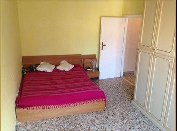 Affitto Stanza arredata zona Portuense, Largo La Loggia.
