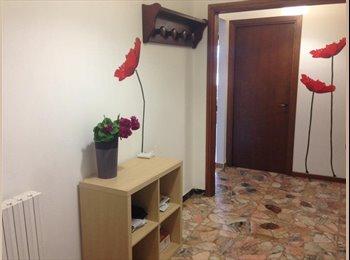 EasyStanza IT - STANZA SINGOLA CON BALCONE PESCARA, Pescara - € 215 al mese