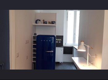 Stanza privata con bagno  in appartamento centro storico