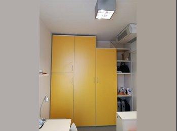 EasyStanza IT - Stanza in studentato tutto incluso con ampio balcone, Parma - € 328 al mese