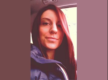 Nathalie  - 26 - Studente