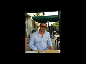 EasyStanza IT - Antonio - 42 - Lucca