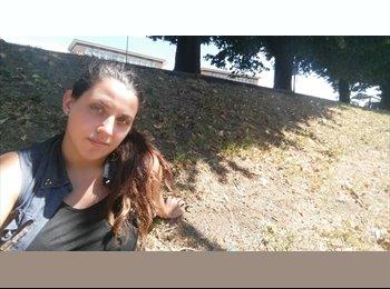 EasyStanza IT - denise - 30 - Lucca